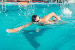 kontuzje u pływaków
