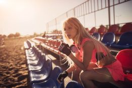 Kiedy zacząć uprawiać sport po zabiegu powiększenia piersi implantami?